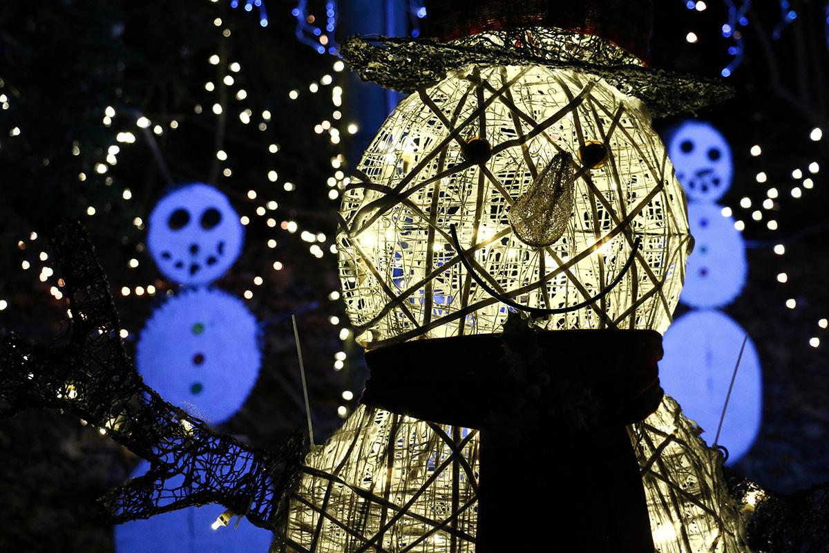 Holiday Lights Snowman