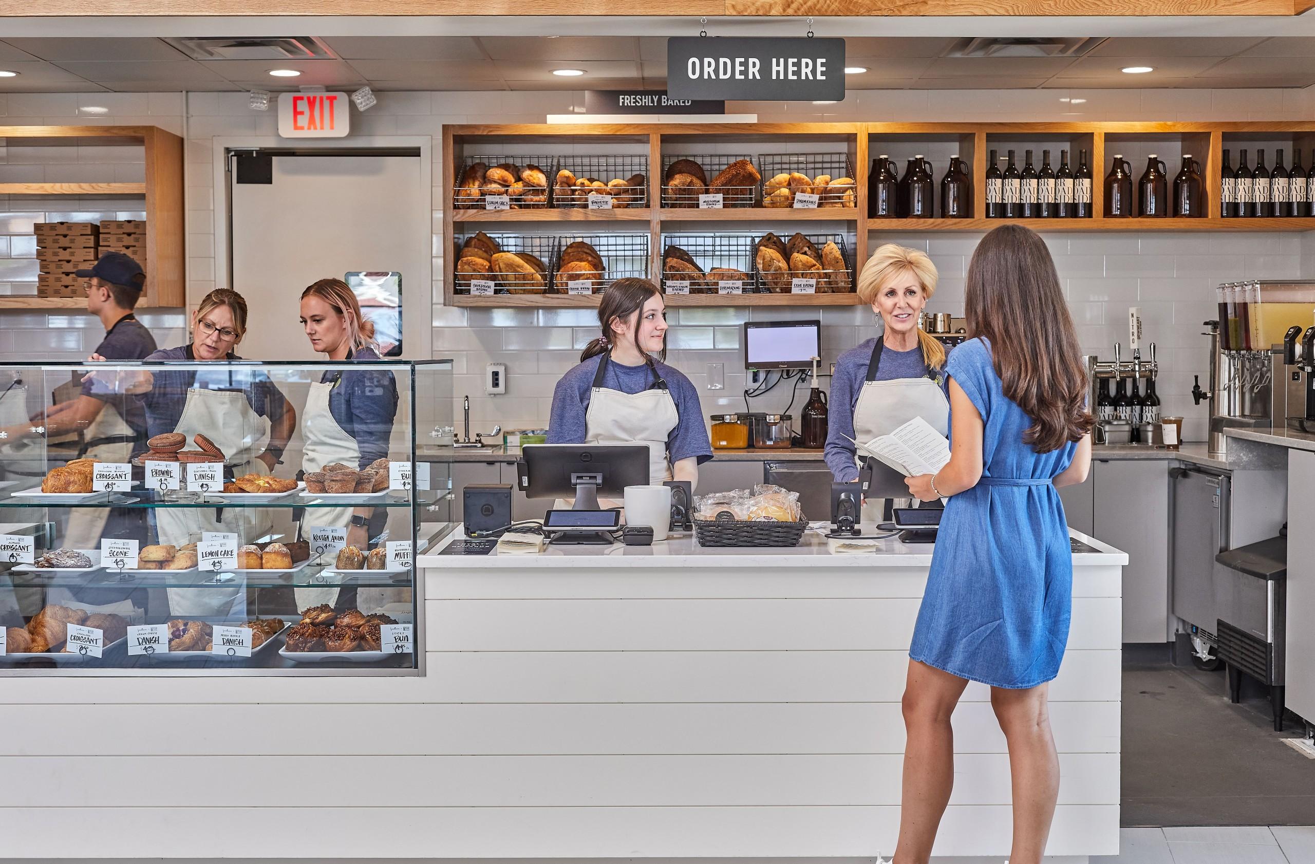 Foodlovemarket Cafecounter1